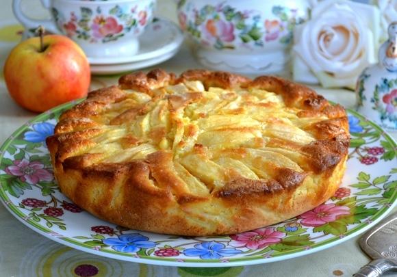 италиански ябълков сладкиш