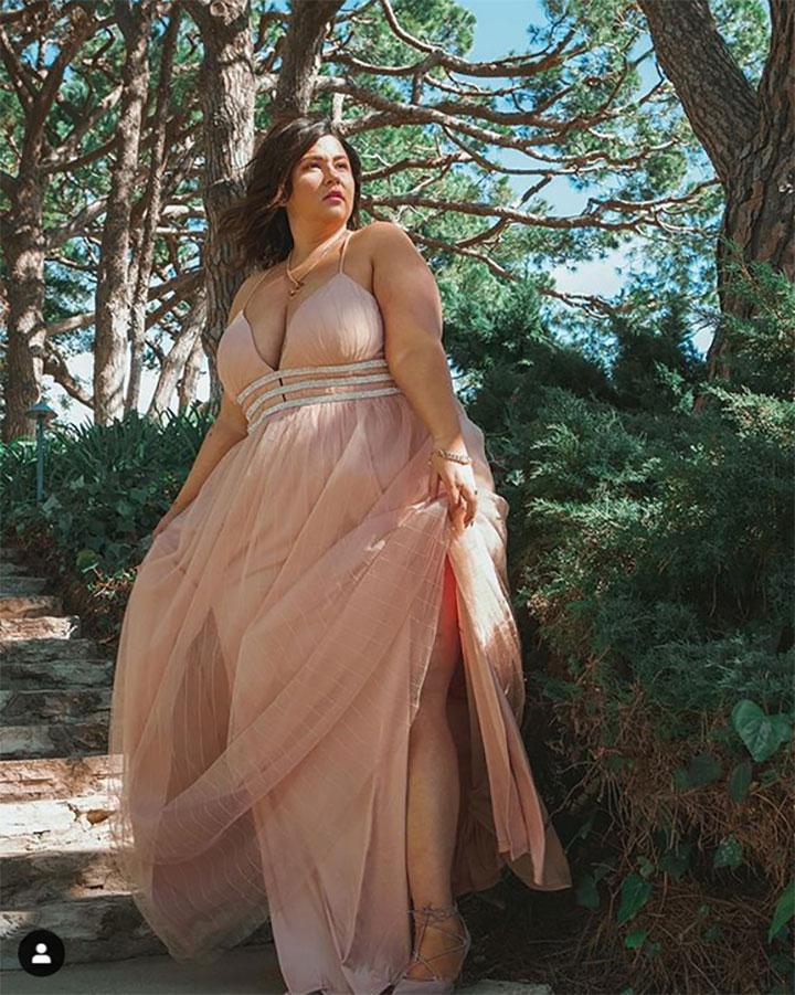 романтична рокля