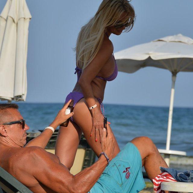 Мая Савова на плажаа