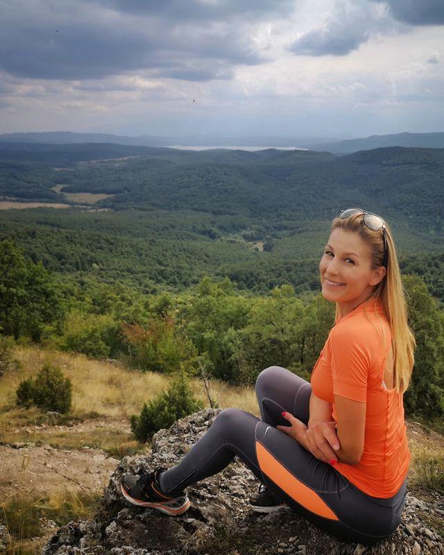 Николета Маданска връх