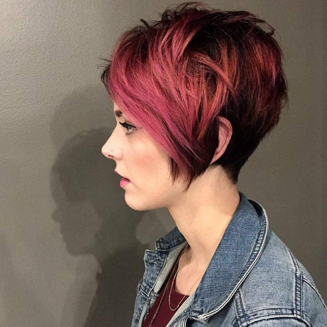 късо пикси на червена коса