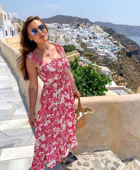 Лили Клюкарката рокля