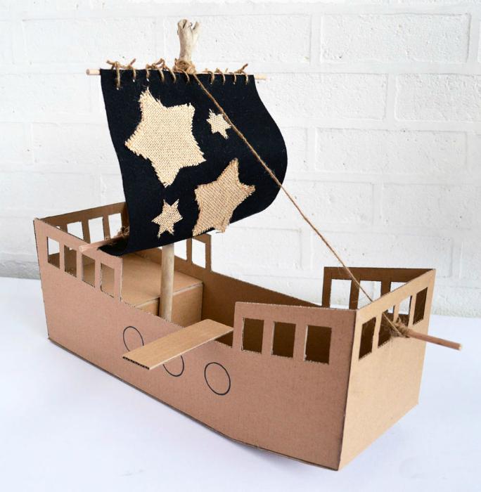 кораб от кашони