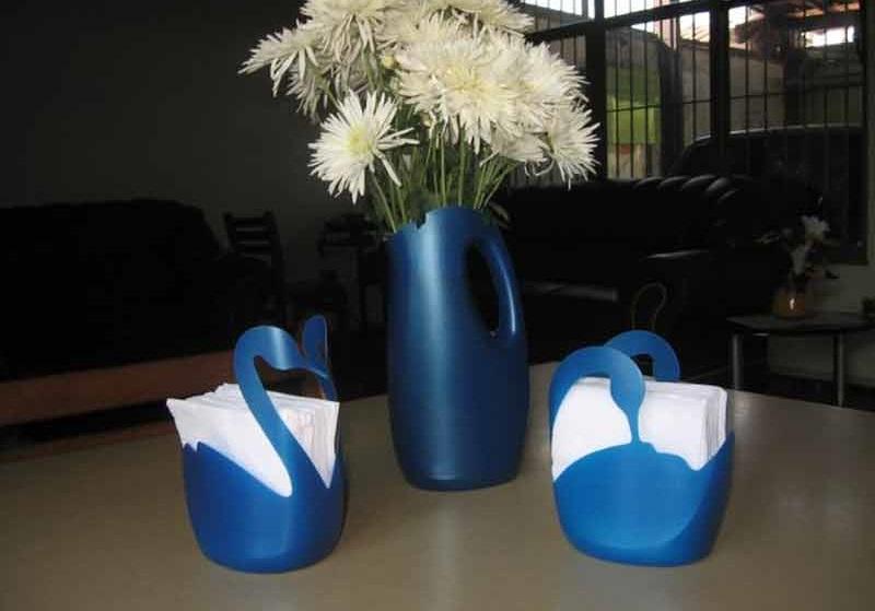 вази от пластмасови опаковки