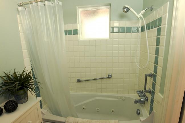 плочки в банята