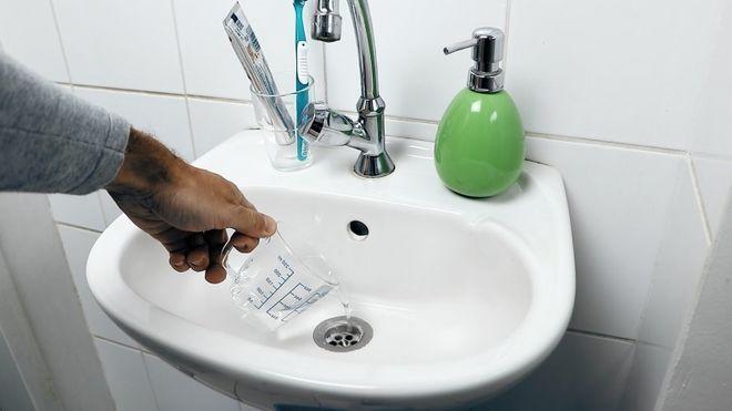 отпушване на мивка у дома