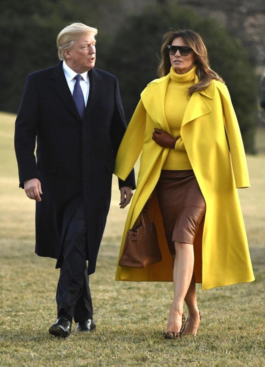 Мелания жълто палто