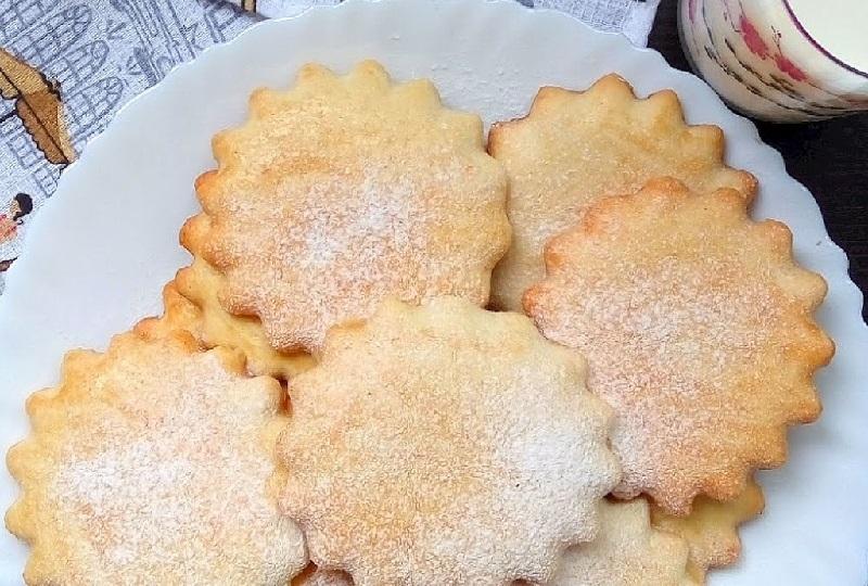 Млечни бисквити