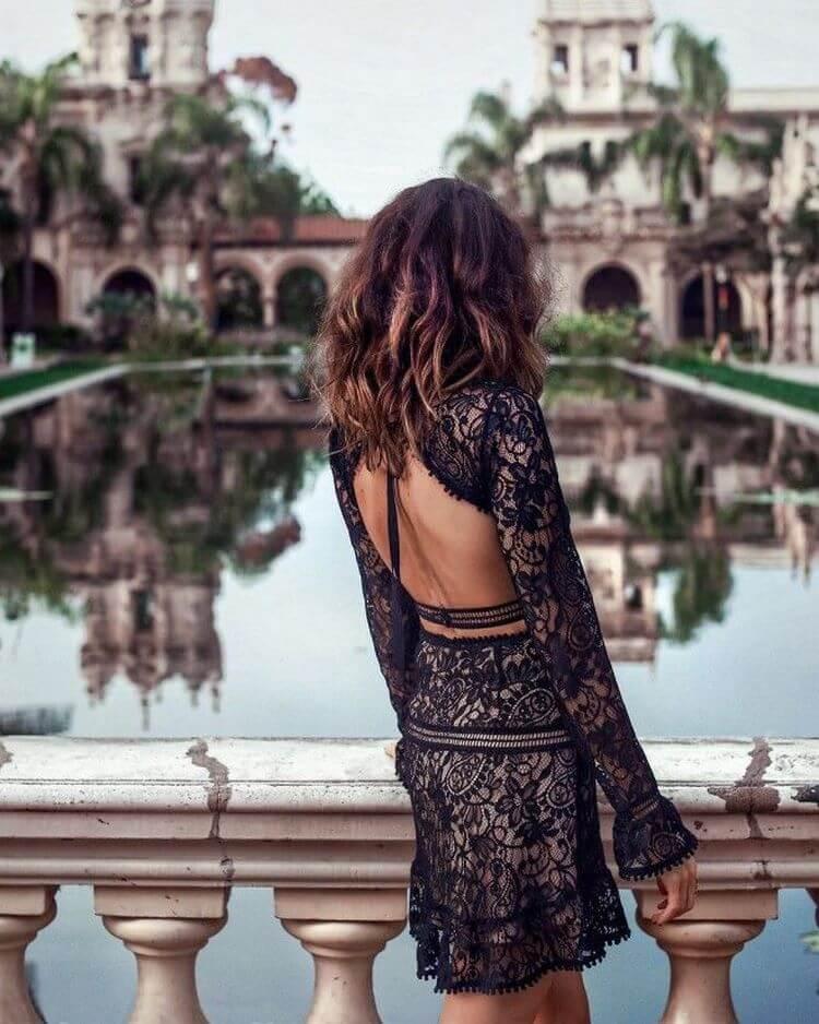 рокля с открит гръб