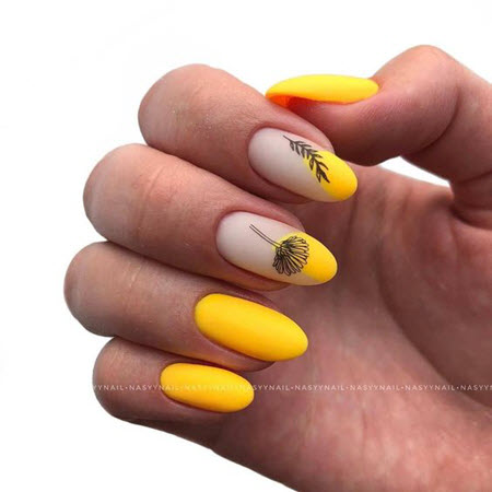 маникюр златисто жълто