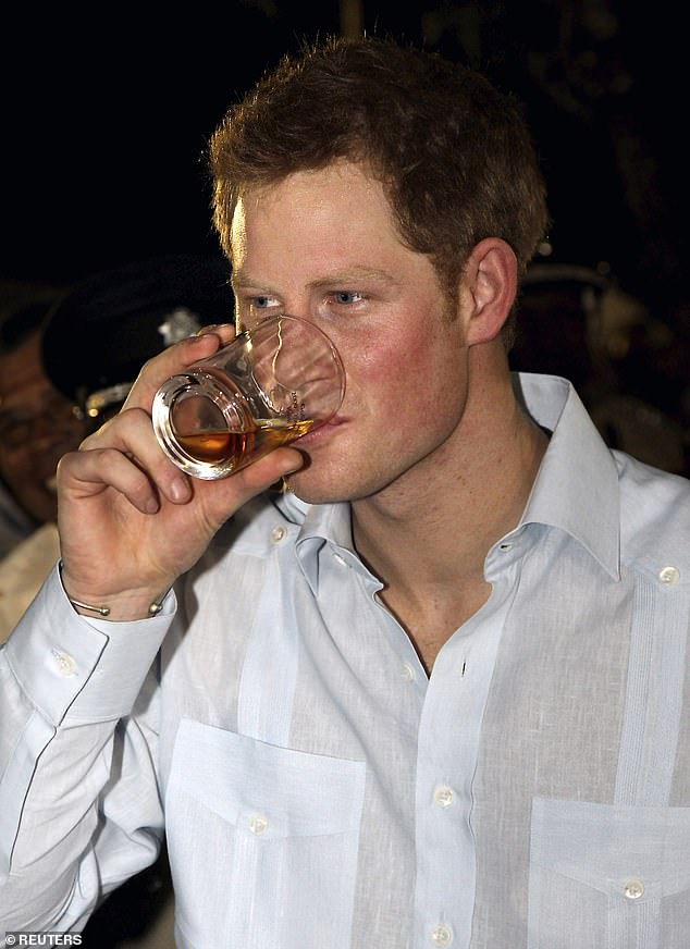 принц Хари алкохол