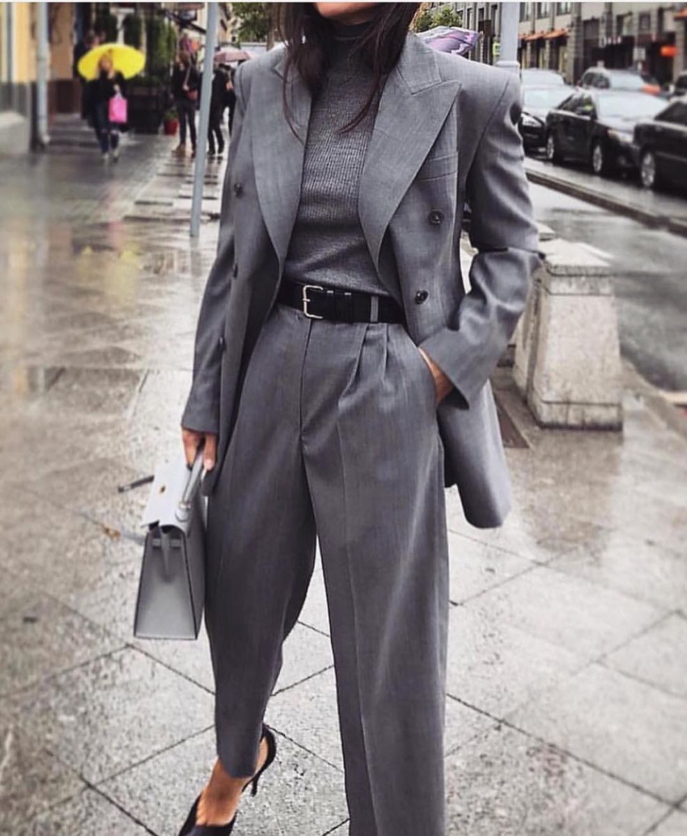 костюм с панталон