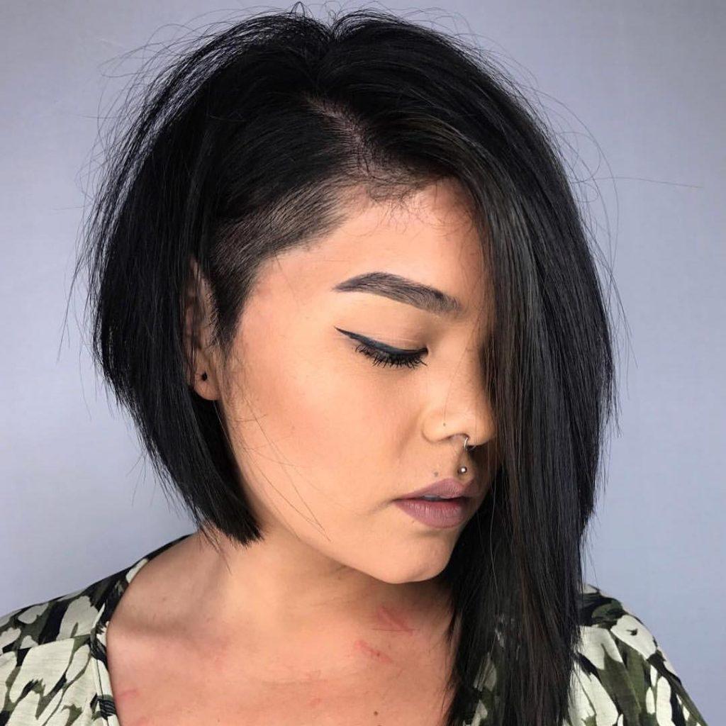 асиметрично каре черна коса