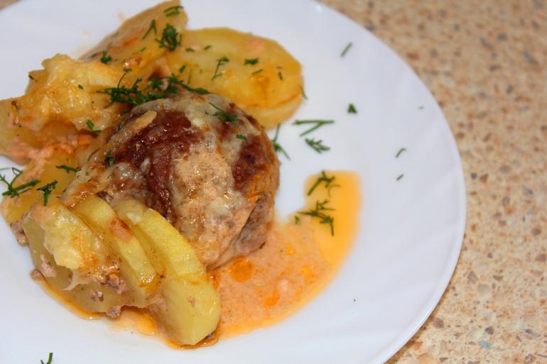 картофи на фурна с кюфтета