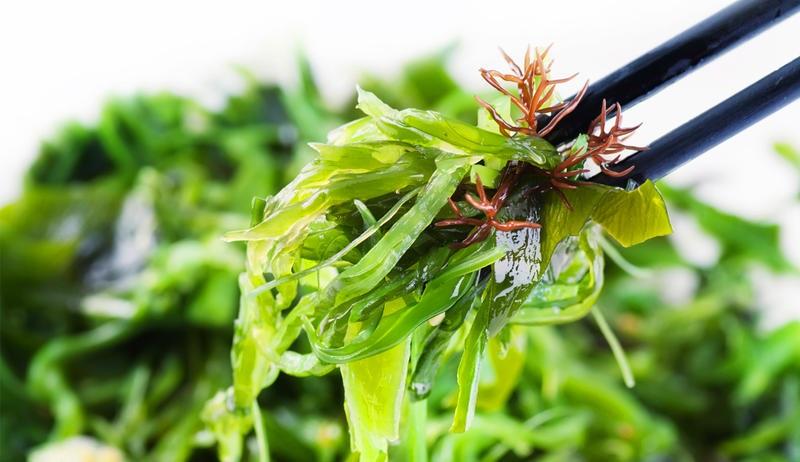 отслабване с водорасли
