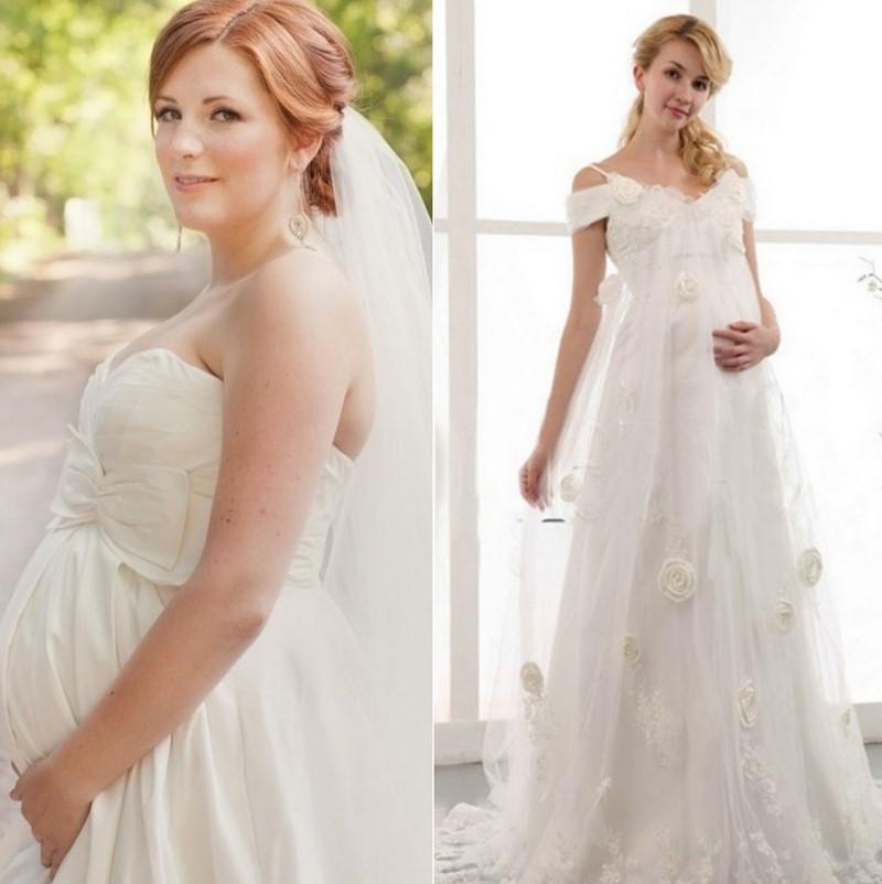 бременна булка в прекрасна рокля