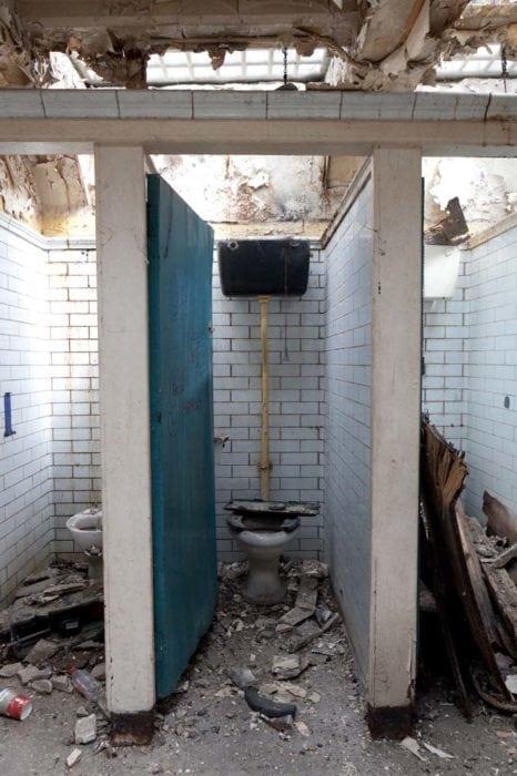 тоалетна в Англия