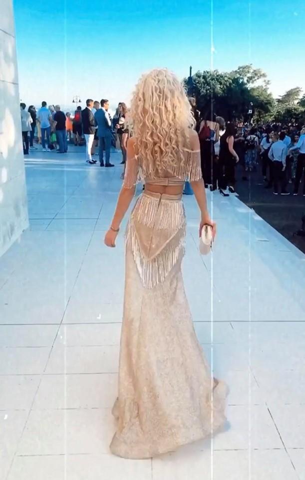 Лидия абитуриентска рокля