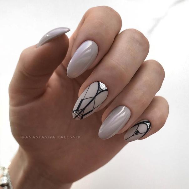 геометричен маникюр сиво