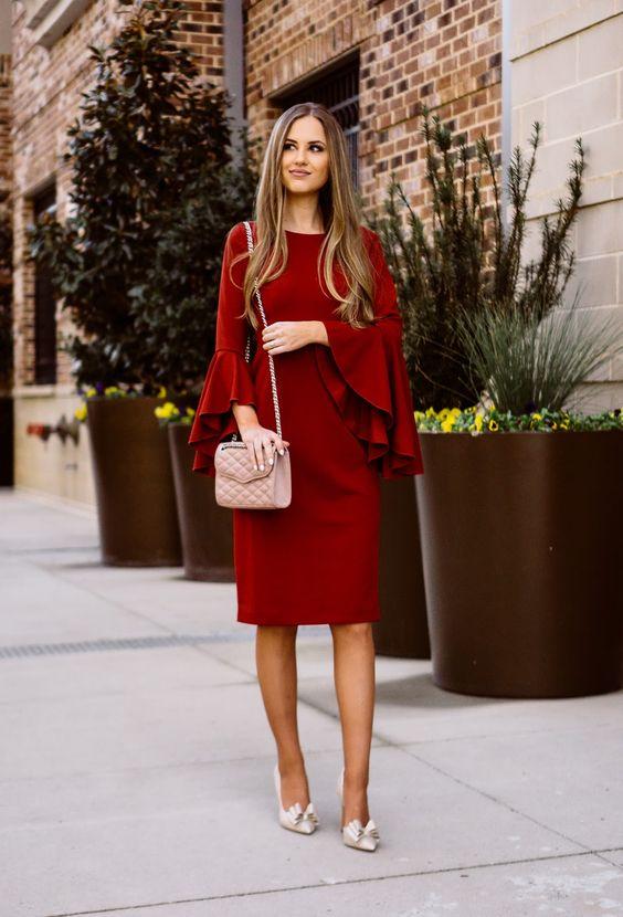 червена рокля дълги ръкави