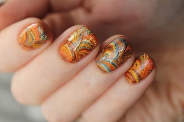 орнаментален маникюр в оранжево