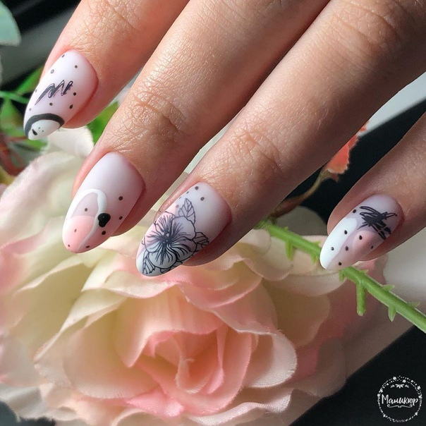 маникюр розово с различни техники