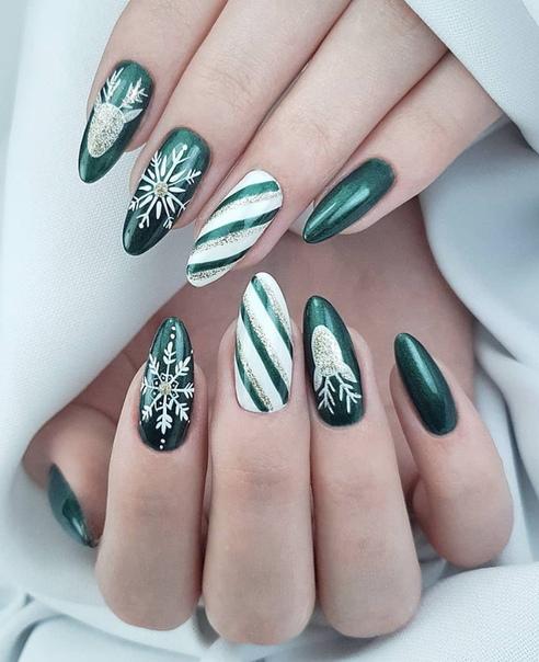 зелен новогодишен маникюр