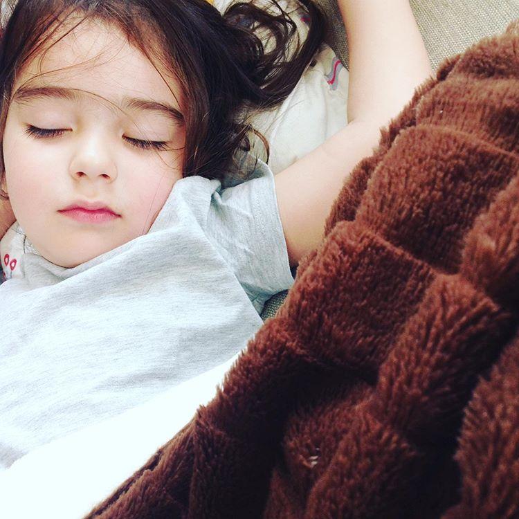 спящо детенце