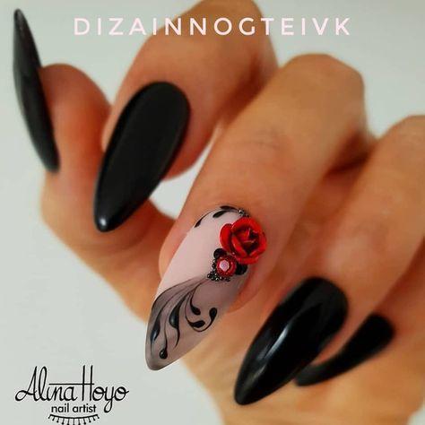 черен маникюр с роза