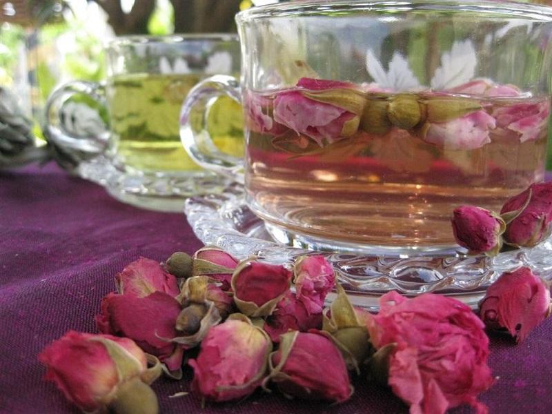 розов чай