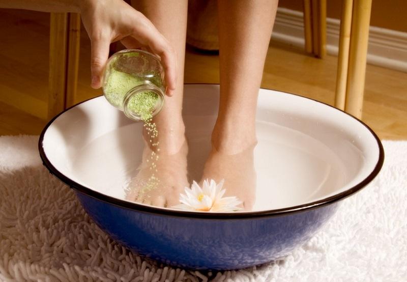 студена баня за краката