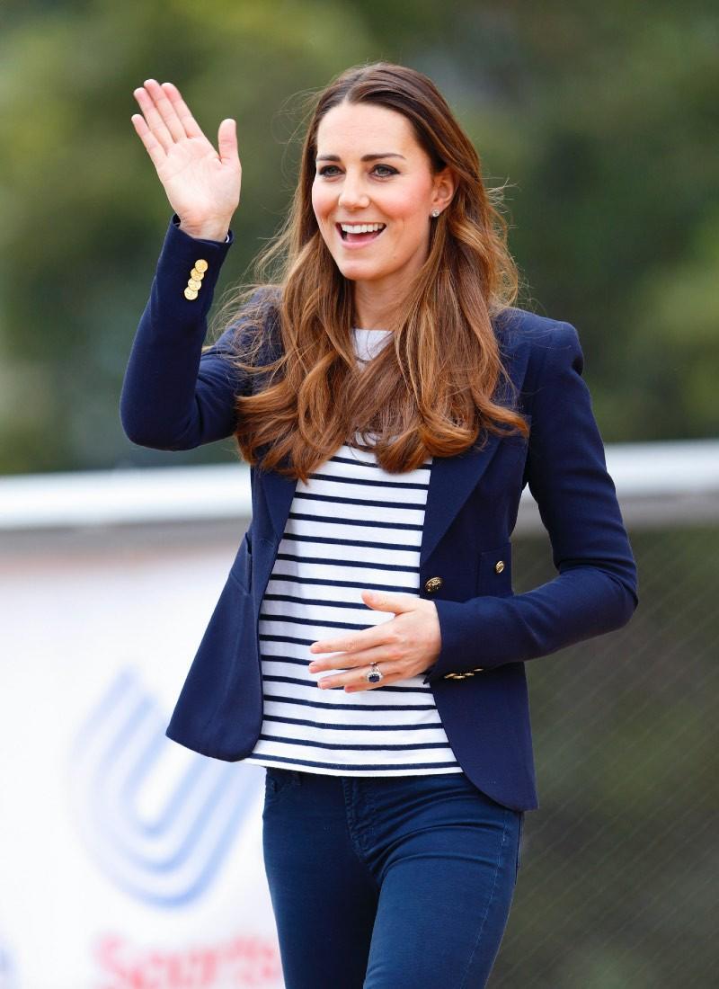 Кейт син костюм