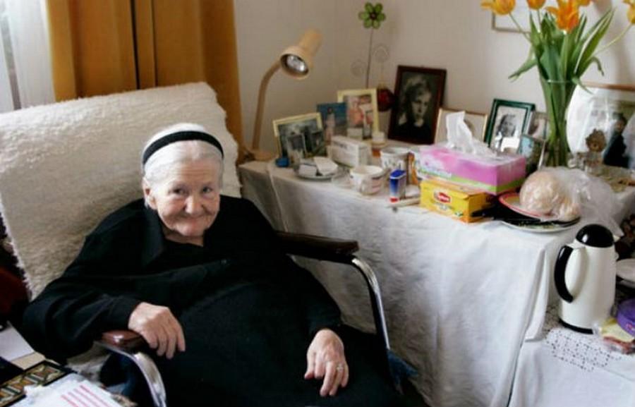 жена, спасила деца евреи