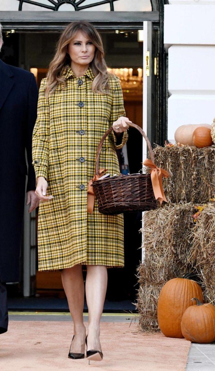Мелания елегантно палто