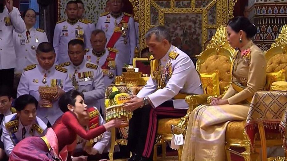 кралят на Тайланд съпруги