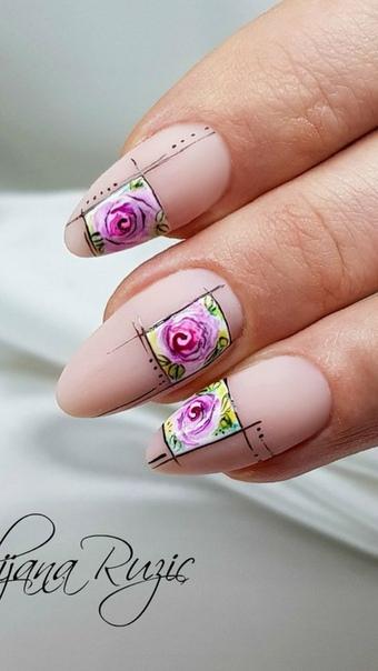 геометричен маникюр с цветя