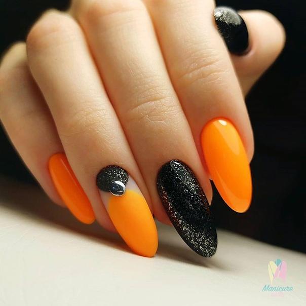 ярък маникюр оранжево