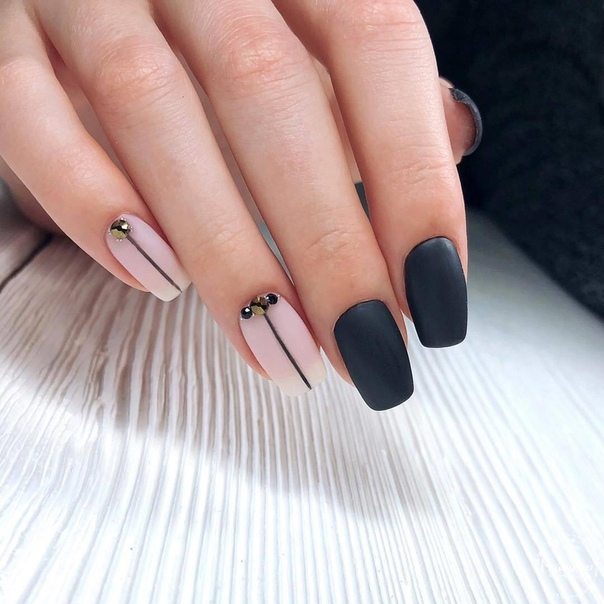 нежен дизайн квадратни нокти