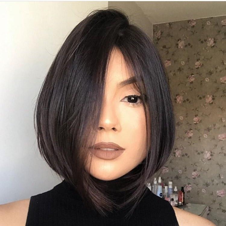 средно каре тънка коса