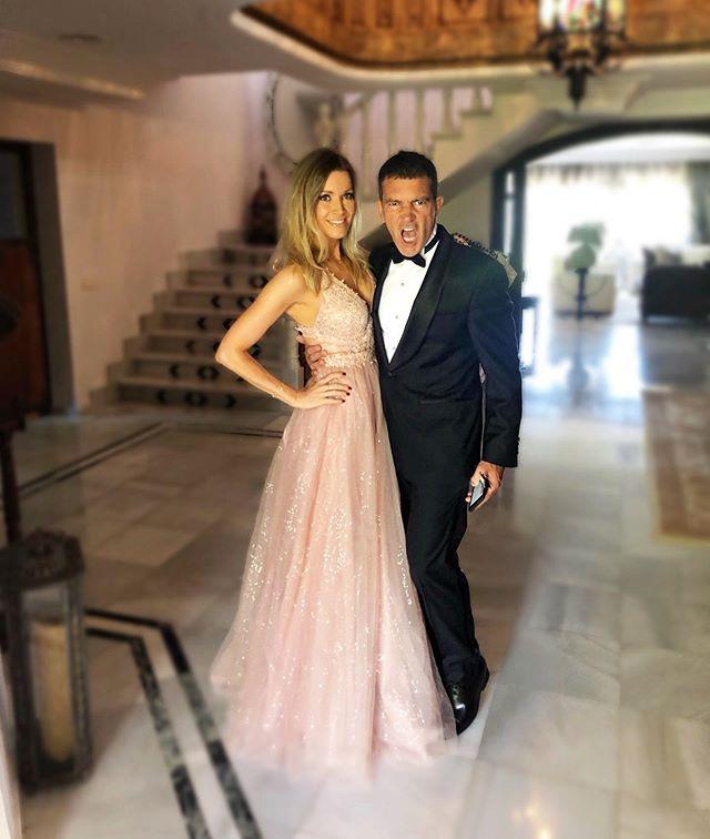 Антонио Бандерас с приятелката си