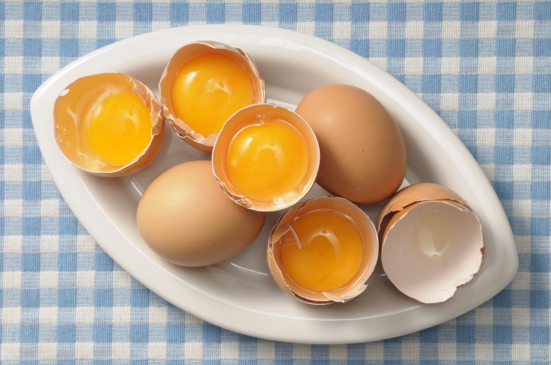 яйчен жълтък за коса