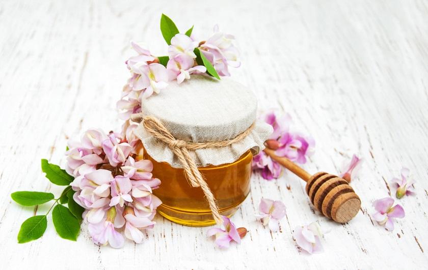 Акациев мед