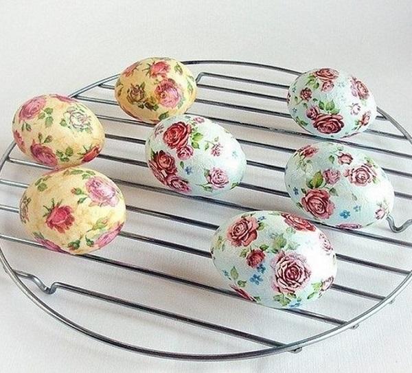 яйца със салфетки