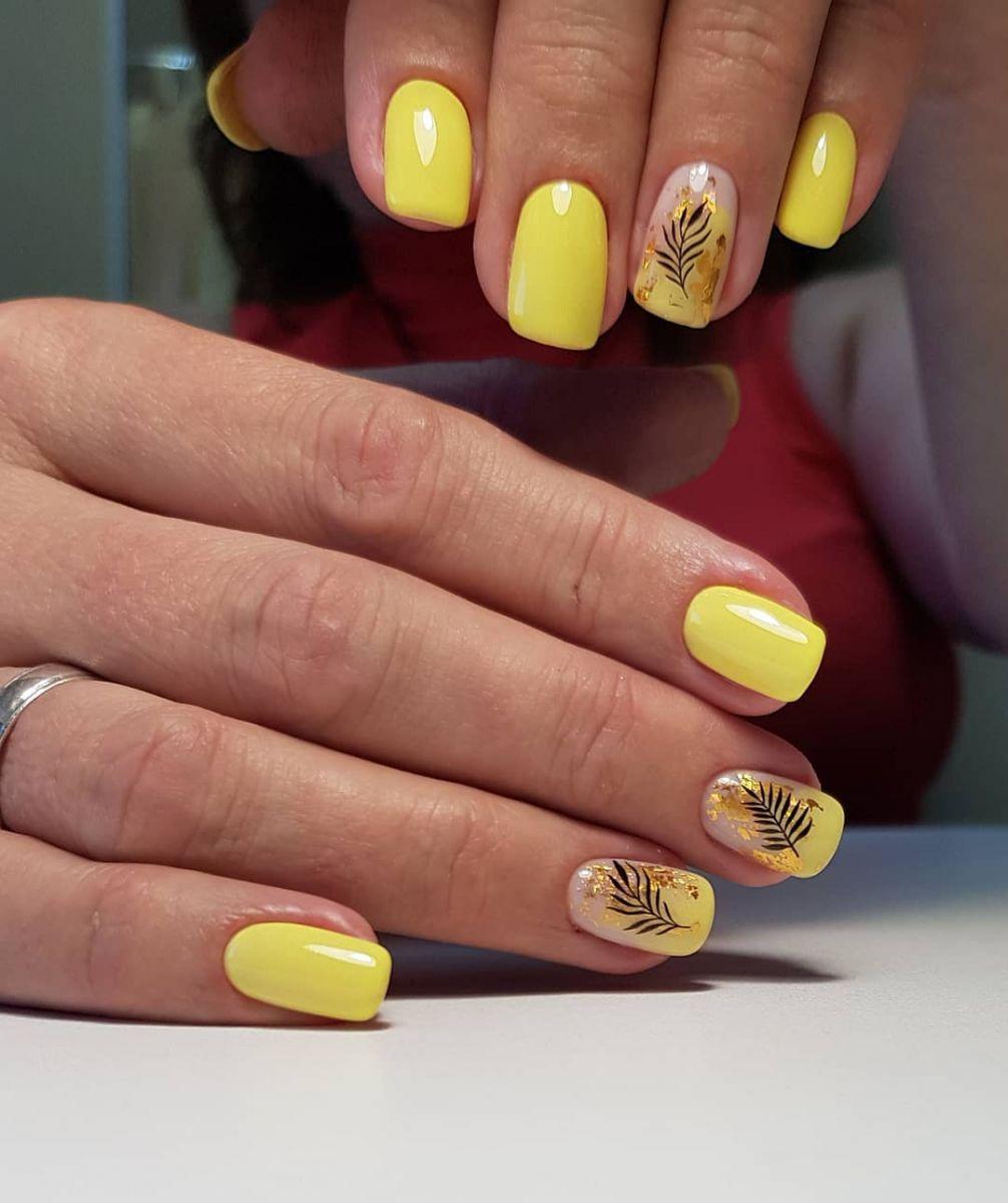 Нежно жълто на къси нокти