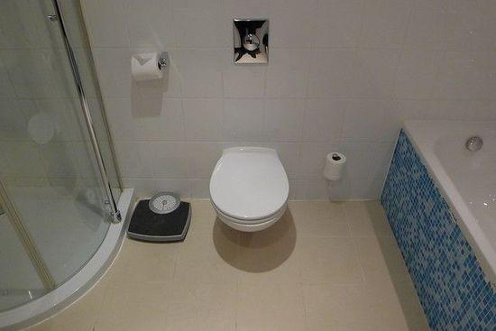 кантар в банята