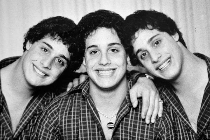 трима братя тризнаци
