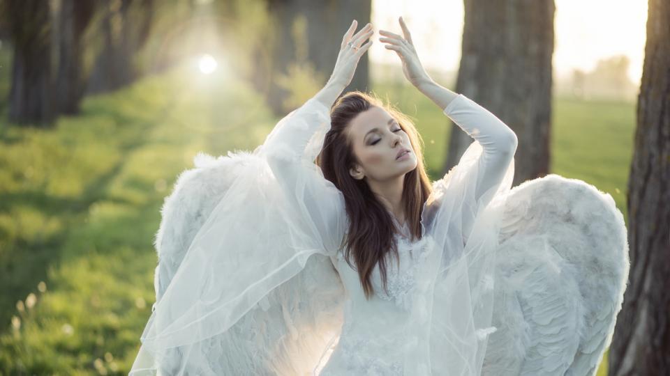 момиче ангел