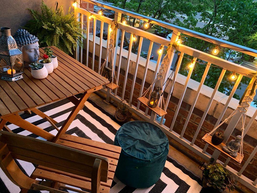 кът за почивка на балкона