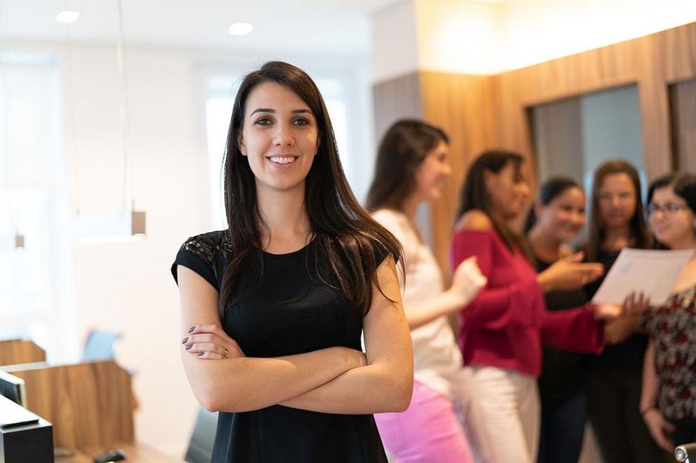жена лидер