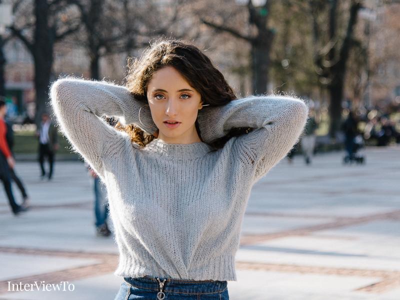дъщерята на Саня Армутлиева